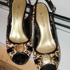 Anne Klein Cheetah Print Fur Slingbacks